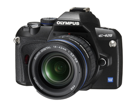Olympus E-420 Digital Camera with 14-42mm lens