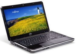 Fujitsu LIFEBOOK AH531 PC Notebook